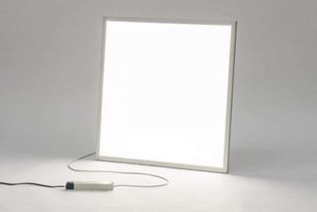 Skal man vælge et billigt eller et dyrere LED-panel?