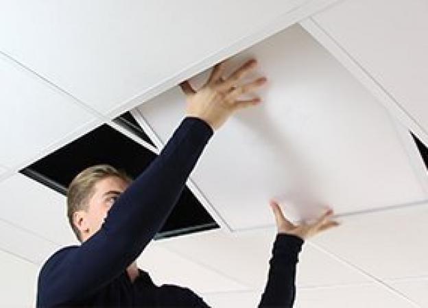 Hvordan installerer man et LED panel?